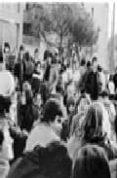 EN TRANSICION: LA FRONTERA ENTRE DICTADURA Y DEMOCRACIA - 9788498032482 - A. MARI